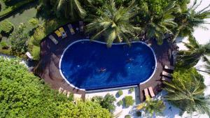 A view of the pool at Adaaran Prestige Vadoo or nearby