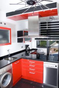 Una cocina o zona de cocina en Alojamiento la Luz de la Sierra