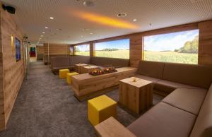 A seating area at Collegium Glashütten