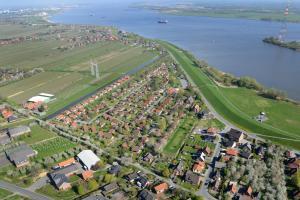 Blick auf Ferienhaus Wigwam im Feriendorf Al aus der Vogelperspektive