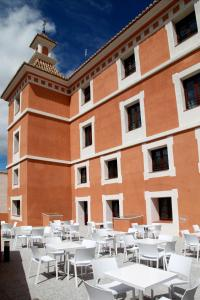 A restaurant or other place to eat at Hotel Spa Martín el Humano