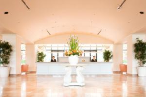 The lobby or reception area at Hotel Okura Tokyo Bay