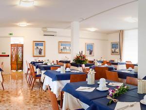 Restaurace v ubytování Hotel Horizonte