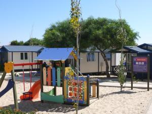 A área de jogos para crianças em Orbitur Ilha de Armona