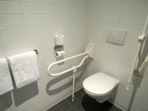 Salle de bains dans l'établissement easyHotel The Hague City Centre
