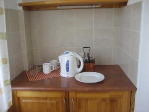 A kitchen or kitchenette at Guest House Maija
