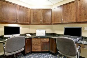 The business area and/or conference room at Hampton Inn & Suites Red Deer