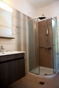 A bathroom at Kappatos Studios & Apartments
