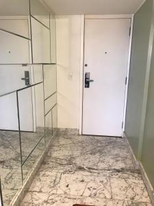 A bathroom at Sateltour Apart Hotel