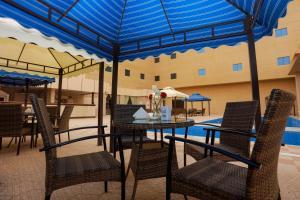A piscina localizada em Hala Inn Arar Hotel ou nos arredores