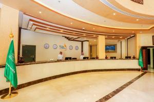 O saguão ou recepção de Hala Inn Arar Hotel