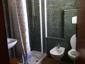 A bathroom at Agave Alghero