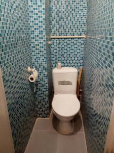 Ванная комната в Always at Home Apartment On Shоlohova 17