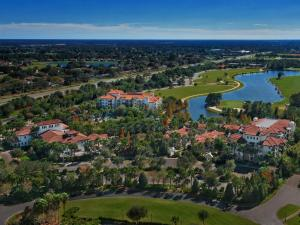 A bird's-eye view of Marriott Lakeshore Reserve