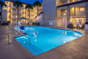 The swimming pool at or near Best Western International Drive - Orlando