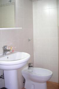A bathroom at B&B CasAnsaldo