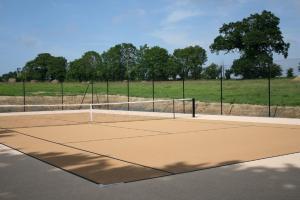 Tennis ou squash au sein de la maison d'hôtes ou à proximité