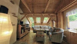 Ein Sitzbereich in der Unterkunft Gasthaus Koenigsruhe