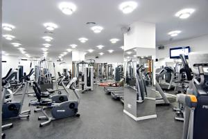 The fitness center and/or fitness facilities at Axel Hotel Barcelona & Urban Spa- Adults Only