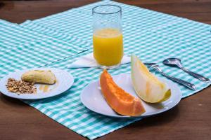 Opções de café da manhã disponíveis para hóspedes em Pousada Tamoios