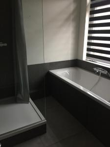 A bathroom at Bed and Breakfast Loft24