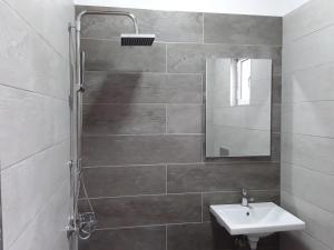 A bathroom at Hotel Riviera