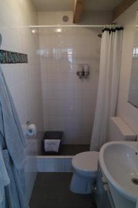 Een badkamer bij Smederij aan Zee