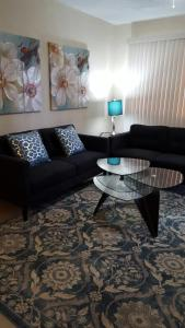 A seating area at Beautiful 2 bedroom 1 bath
