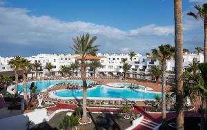 A view of the pool at Hesperia Bristol Playa or nearby