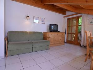 Ein Sitzbereich in der Unterkunft Charming Apartment in Schonau am Konigsee with Barbecue