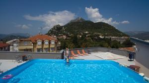 The swimming pool at or close to Hotel Prvan