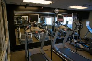 The fitness center and/or fitness facilities at Hilton Garden Inn Mankato Downtown