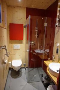 Ein Badezimmer in der Unterkunft mein kleinHOTEL