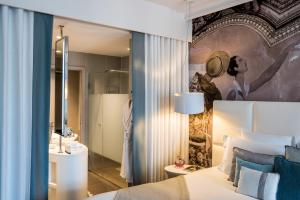A bathroom at Cures Marines Trouville Hôtel Thalasso & Spa - MGallery