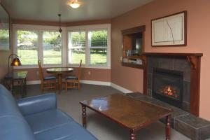 A seating area at Little River Inn
