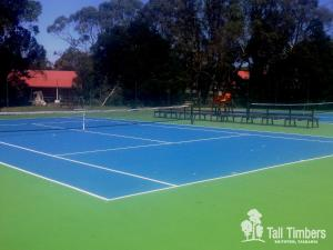 Tennis and/or squash facilities at Tall Timbers Tasmania or nearby