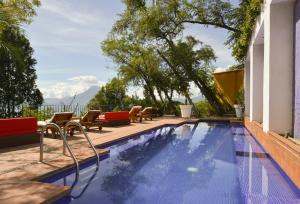 The swimming pool at or near Hotel Casa Palopo