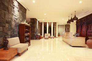 The lobby or reception area at Wimarion Hotel Semarang