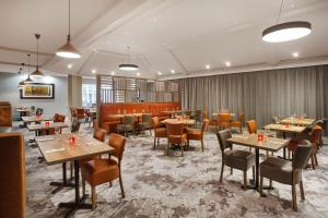 A restaurant or other place to eat at Jurys Inn East Midlands Airport (on-site)