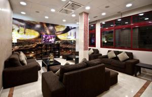 El salón o zona de bar de NS Albolut