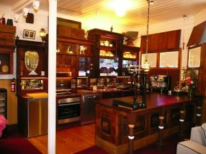 A kitchen or kitchenette at Madam Saddler - On Fraser Clunes