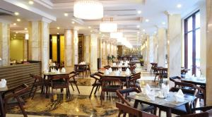 A restaurant or other place to eat at Sapa Legend Hotel & Spa