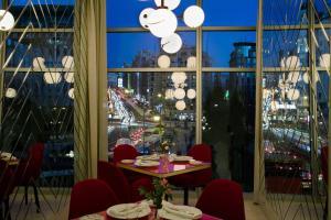 Restaurant o un lloc per menjar a Barceló Torre de Madrid