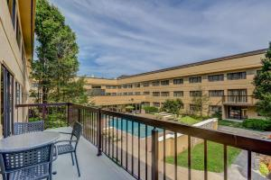 A view of the pool at Homewood Suites by Hilton Indianapolis Carmel or nearby