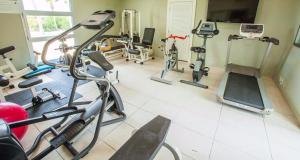 The fitness center and/or fitness facilities at Le Vele Resort