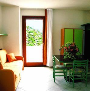 A seating area at Hotel Miralonga