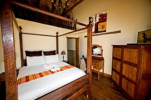 A bunk bed or bunk beds in a room at Addo Bush Palace