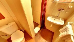 Ein Badezimmer in der Unterkunft Penzion Siesta