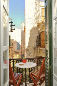 A balcony or terrace at Silde Studios & Apartments