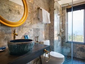 A bathroom at Aira Boutique Sapa Hotel & Spa